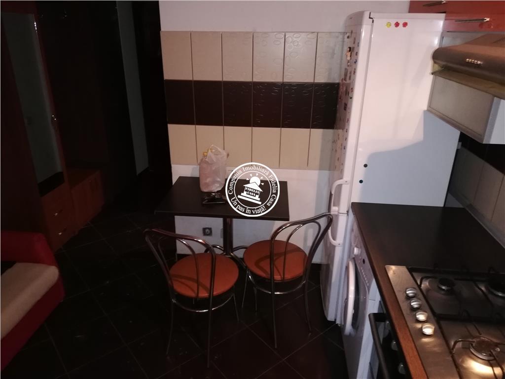 Apartament 1 camera  de vanzare  Podu Ros,