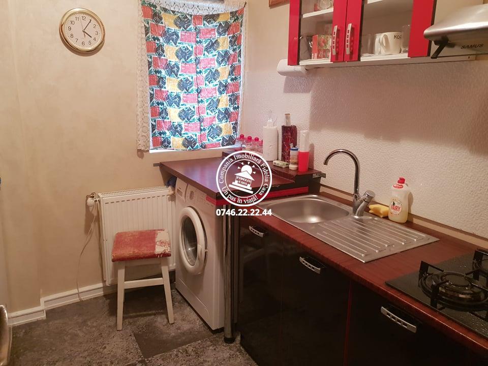 Apartament 2 camere  de vanzare  C.U.G.,