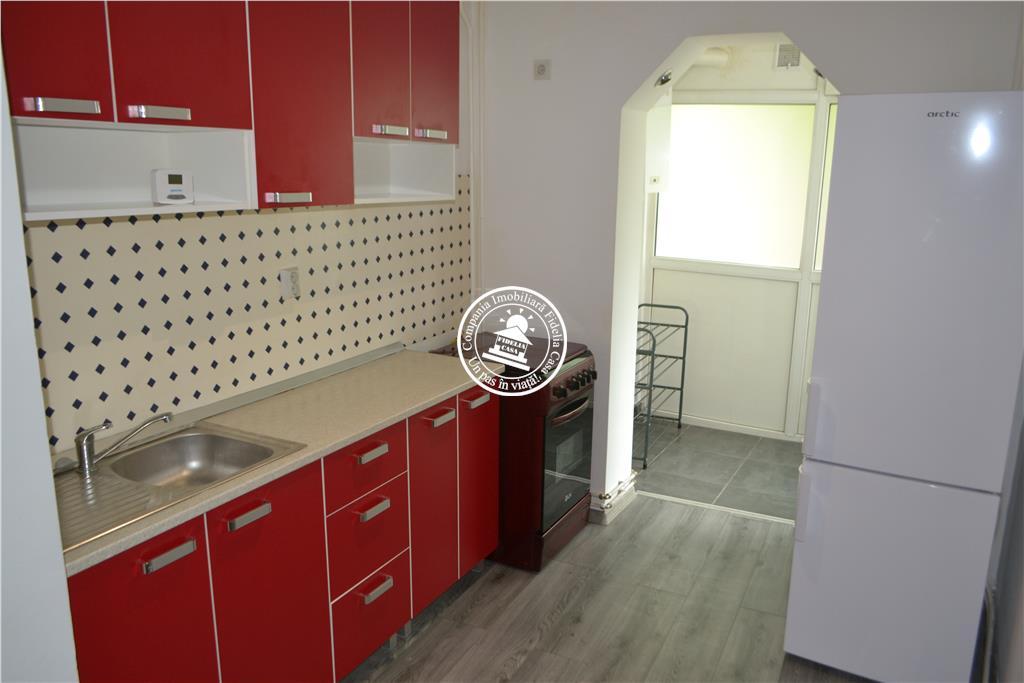 Apartament 2 camere  de vanzare  Tg Cucu - Podul de Fier,