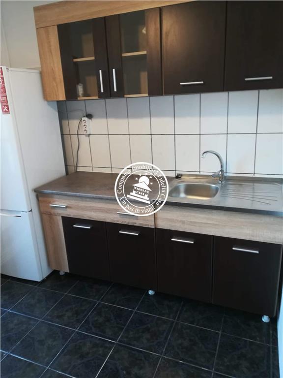 Apartament 3 camere  de inchiriat  C.U.G.,