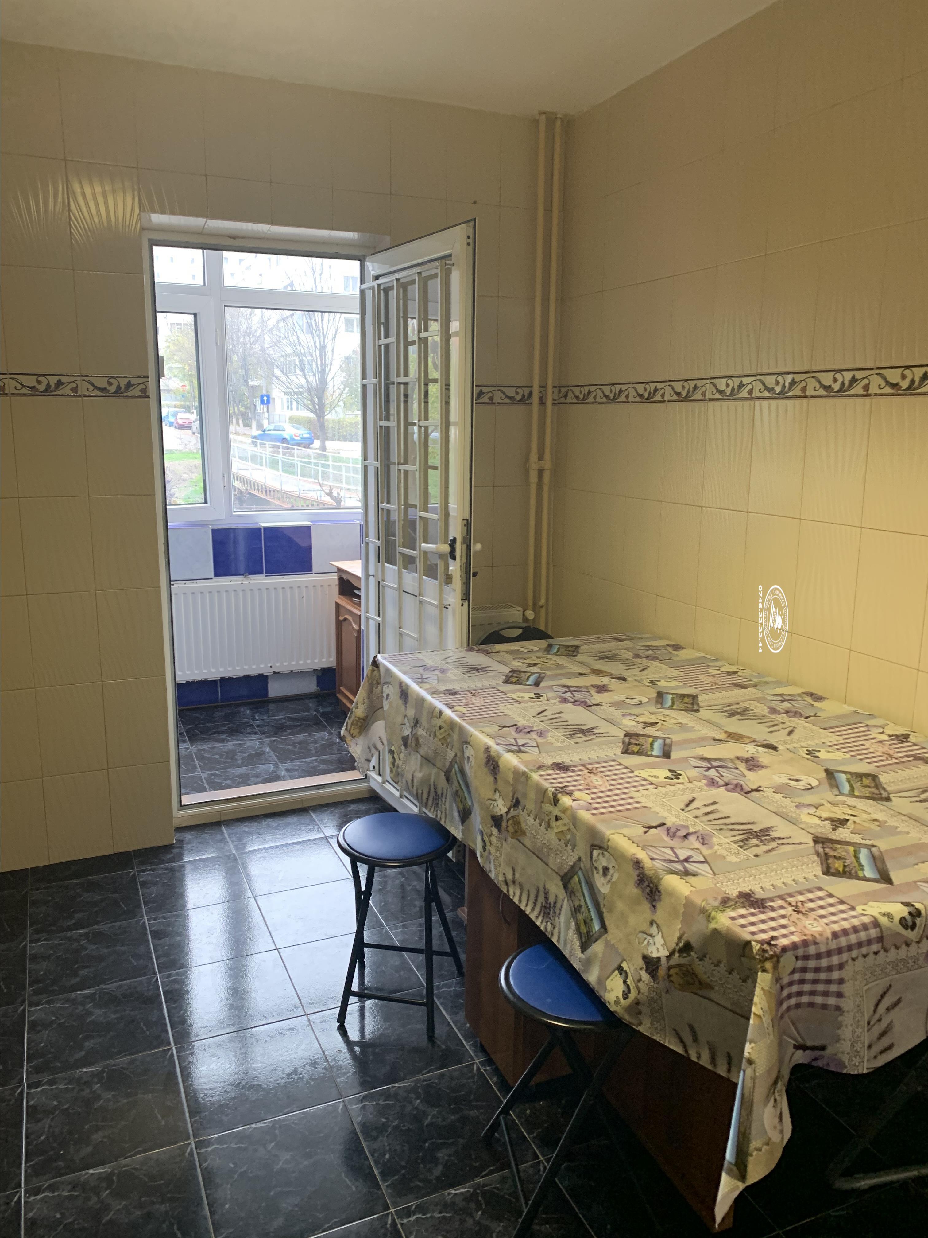 Apartament 3 camere  de inchiriat  Nicolina,