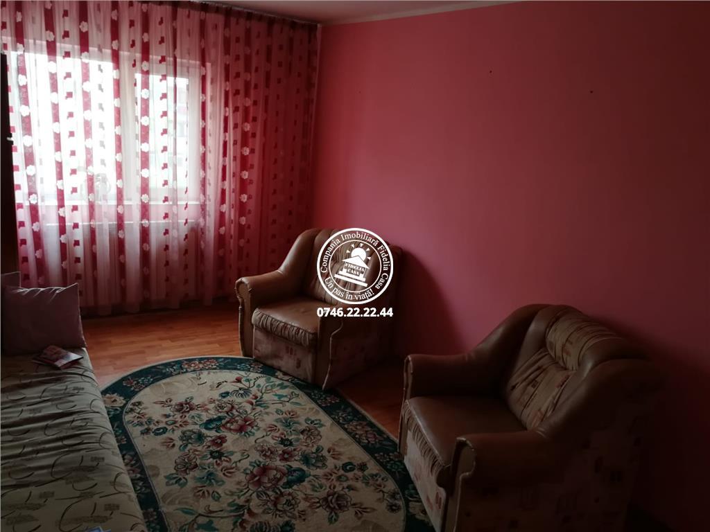 Apartament 3 camere  de inchiriat  Tigarete,