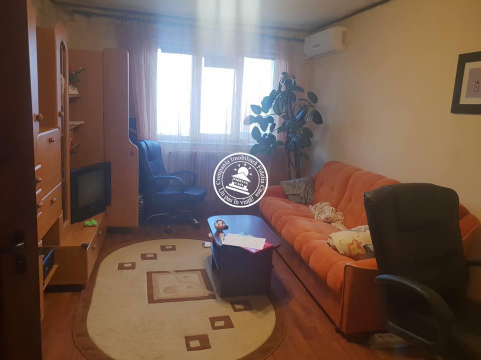 Apartament 3 camere  de vanzare  Podu de Piatra,