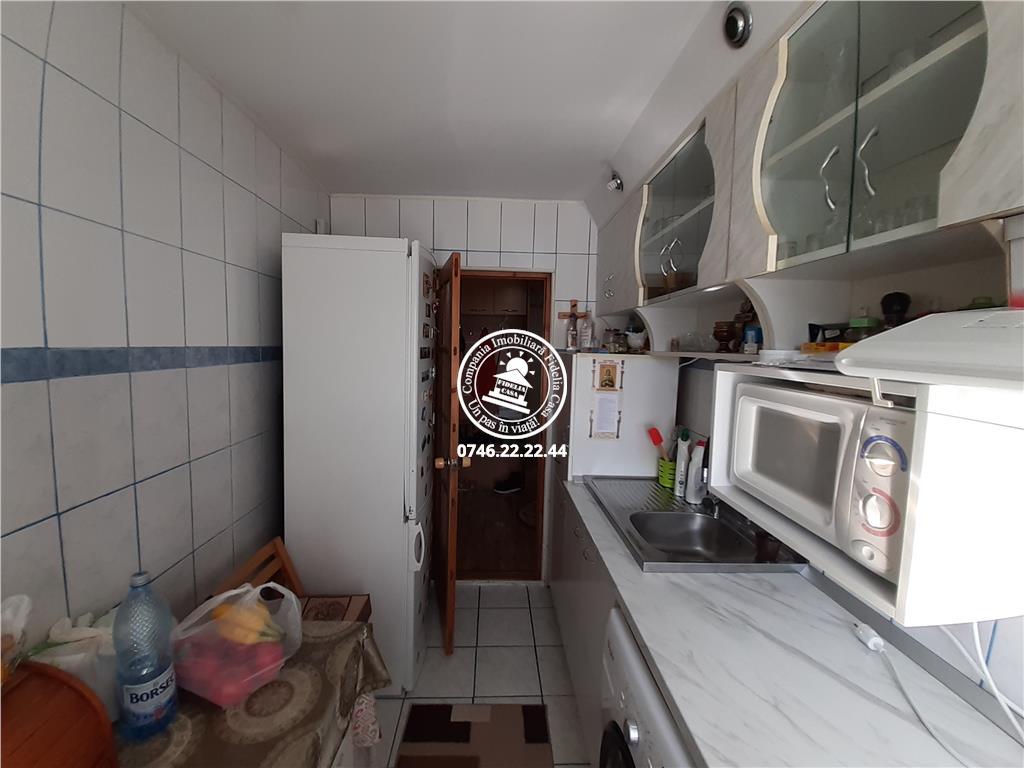Apartament 3 camere  de vanzare  Tatarasi - Dancu,