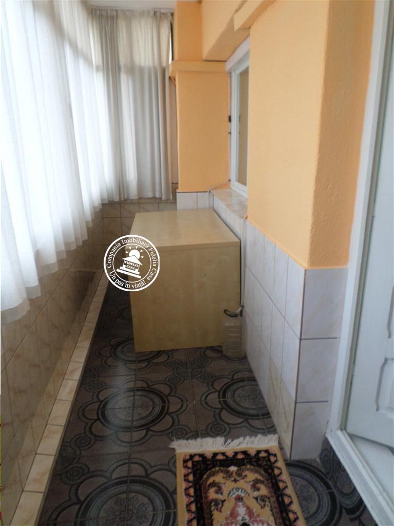Apartament 4 camere  de inchiriat  Gara,