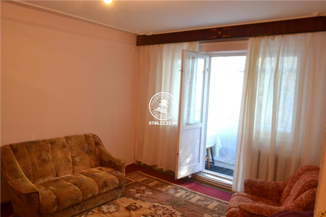 Apartament 4 camere  de vanzare  Dacia,