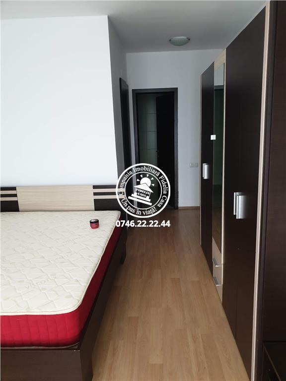 Apartament 4 camere  de vanzare  Tatarasi,