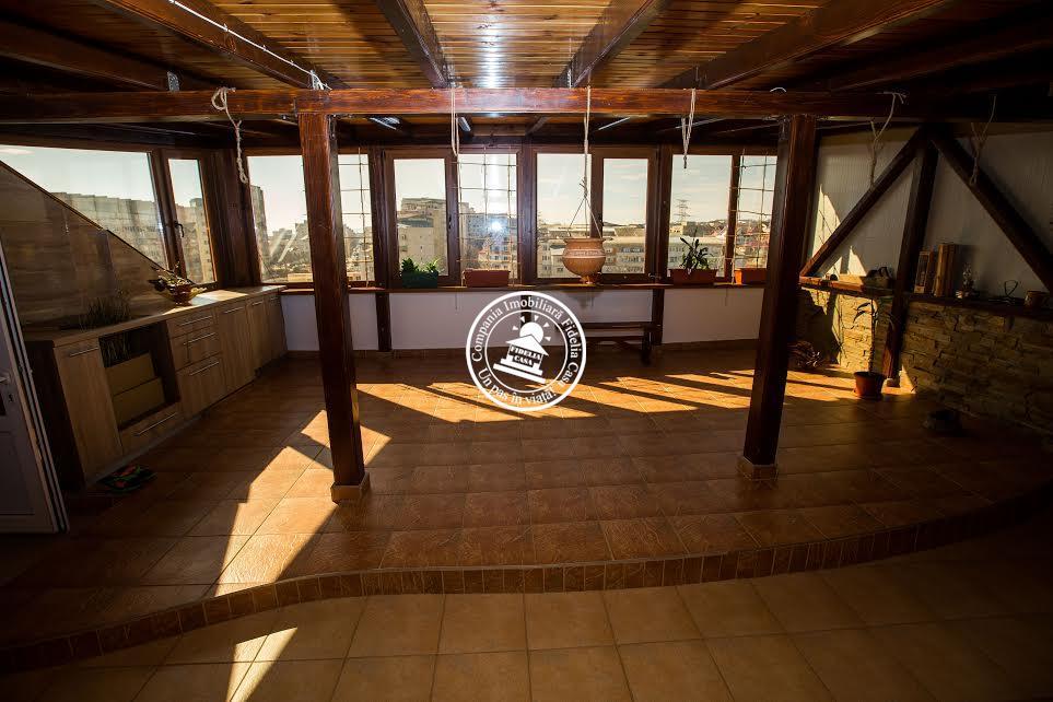 Apartament 5+ camere  de vanzare  Nicolina - C.U.G.,