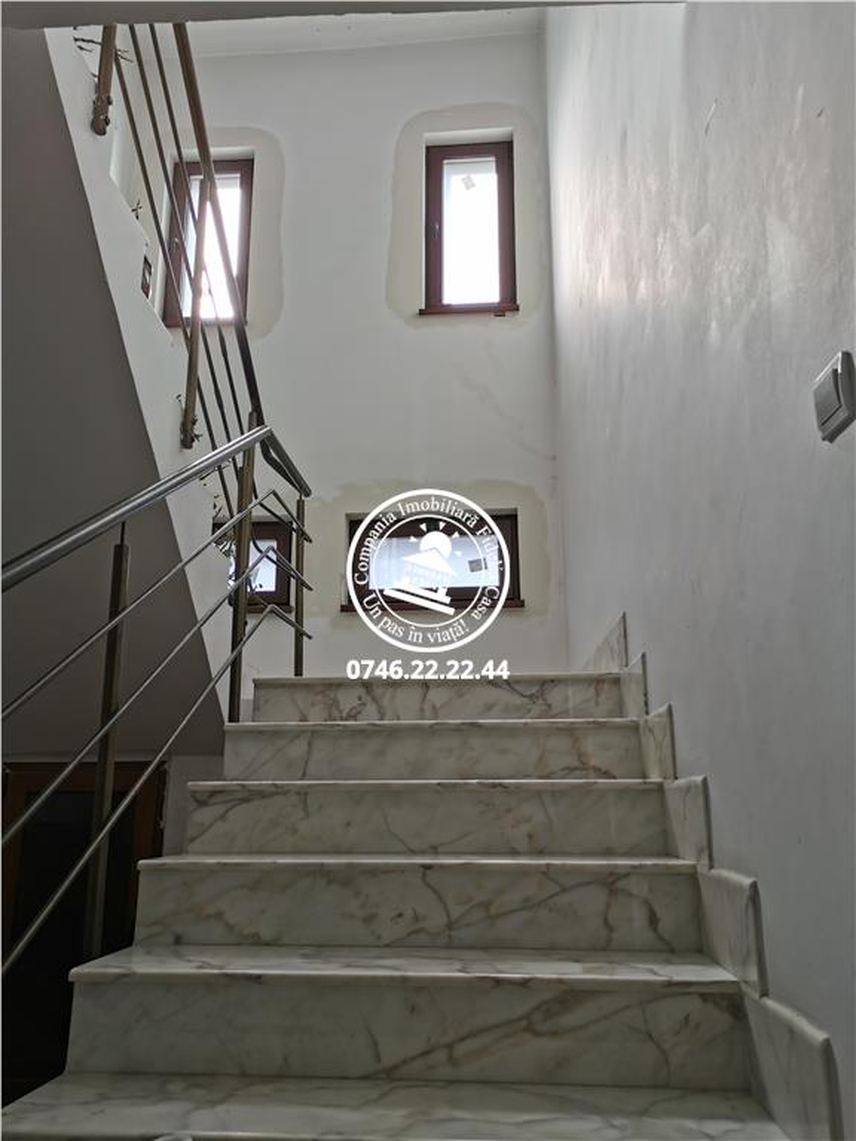 Vila  de vanzare  Canta,