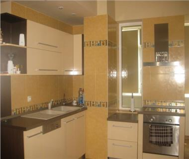 Apartament 5+ camere  de vanzare  Tg Cucu - Podul de Fier,