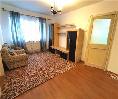 apartament 2 camere  de inchiriat  podu ros Iasi