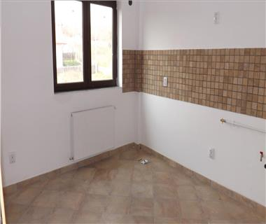 apartament 2 camere  de inchiriat  bucium Iasi
