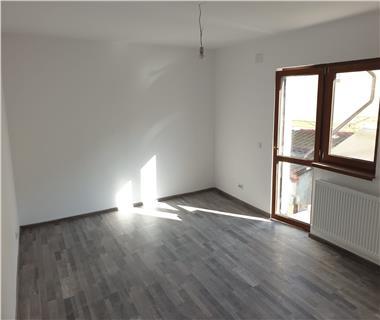 Apartament 2 camere  de vanzare  Miroslava,