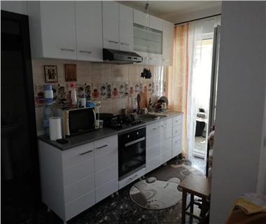 apartament 3 camere  de inchiriat  c.u.g - valea adanca Iasi