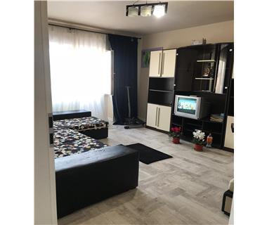 apartament 3 camere  de inchiriat  centru Iasi