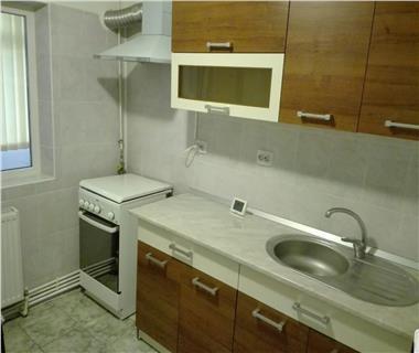 Apartament 3 camere  de inchiriat  Nicolina