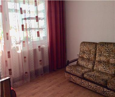 Apartament 3 camere  de inchiriat  Podu Ros,