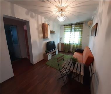 Apartament 3 camere  de inchiriat  Podu Ros
