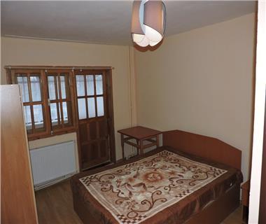 Apartament 3 camere  de inchiriat  Tatarasi - Metalurgie,