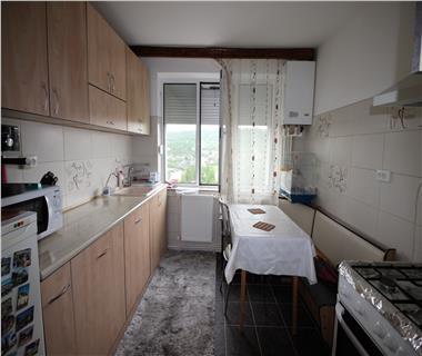 Apartament 3 camere  de vanzare  Alexandru cel Bun,