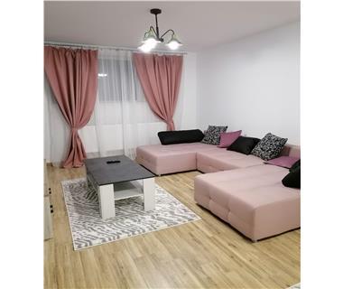 Apartament 3 camere  de vanzare  Bucium,