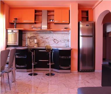 Apartament 3 camere  de vanzare  Gara,