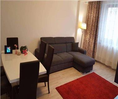 Apartament 3 camere  de vanzare  Lunca Cetatuii,