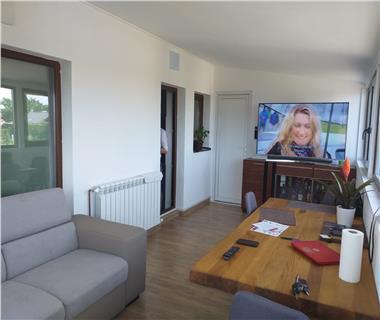 Apartament Nou la revanzare 3 camere  de vanzare  Nicolina - C.U.G.,