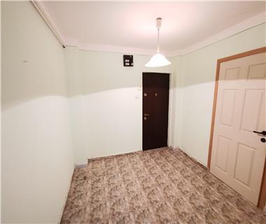 Apartament 3 camere  de vanzare  Pacurari