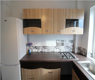 Apartament 3 camere  de vanzare  Podu Ros,