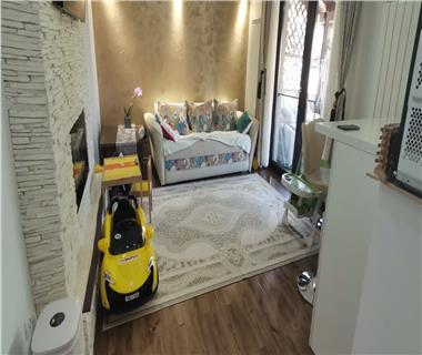 Apartament 3 camere  de vanzare  Rediu,