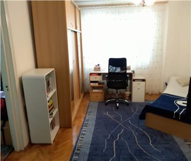 Apartament 3 camere  de vanzare  Tatarasi - Metalurgie,