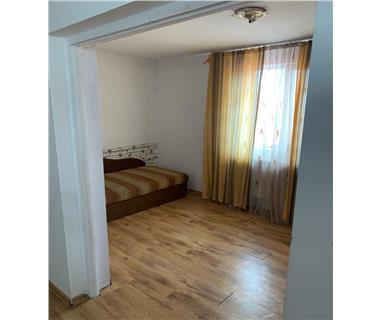 Apartament 3 camere  de vanzare  Tatarasi,
