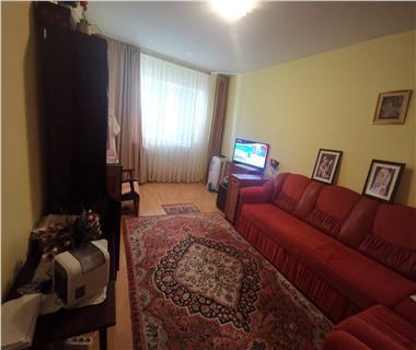 Apartament 3 camere  de vanzare  Tg Cucu - Podul de Fier,