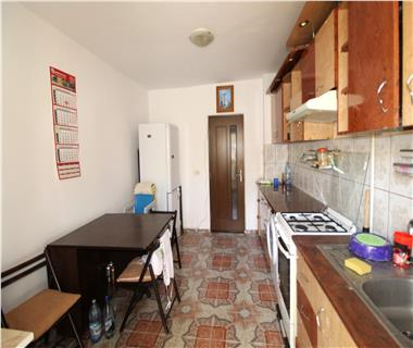 Apartament 3 camere  de vanzare  Tomesti,