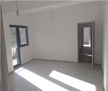 Apartament Nou la revanzare 3 camere  de vanzare  Valea Adanca,
