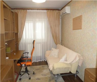 Apartament 4 camere  de inchiriat  Gara