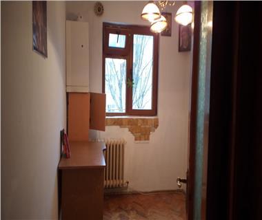 Apartament 4 camere  de vanzare  Alexandru cel Bun,