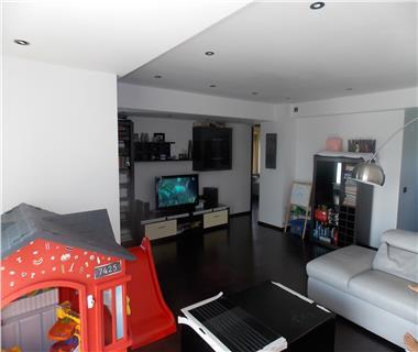 Apartament 4 camere  de vanzare  Bucium,