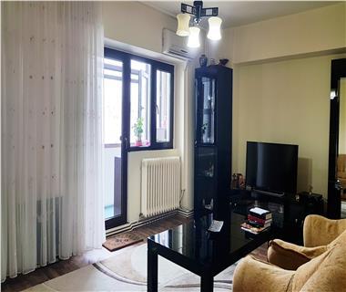 Apartament 4 camere  de vanzare  Gara,