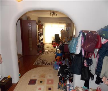 Apartament 4 camere  de vanzare  Nicolina,