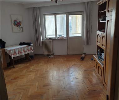 Apartament 4 camere  de vanzare  Tatarasi - Metalurgie,