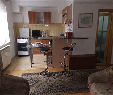 Apartament 4 camere  de vanzare  Tg Cucu - Podul de Fier,