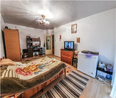 Apartament 4 camere  de vanzare  Lunca Cetatuii,