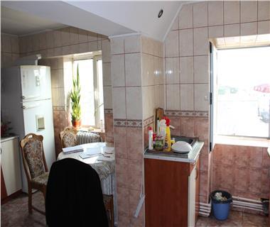 Apartament 5+ camere  de vanzare  Pacurari,