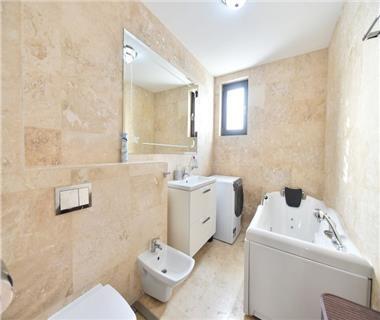 Apartament Nou 3 camere  de vanzare  Lunca Cetatuii,