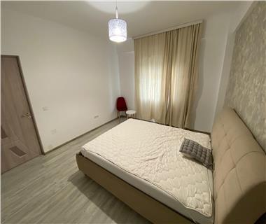 Apartament 3 camere  de vanzare  Valea Adanca,