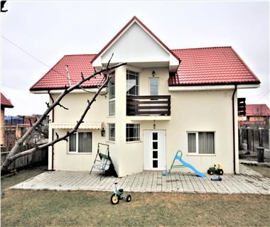 Vila  de vanzare  Miroslava,