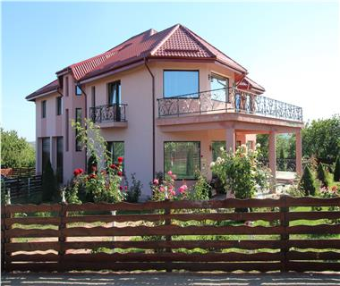Vila  de vanzare  Tomesti,