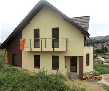 Vila  de vanzare  Bucium,
